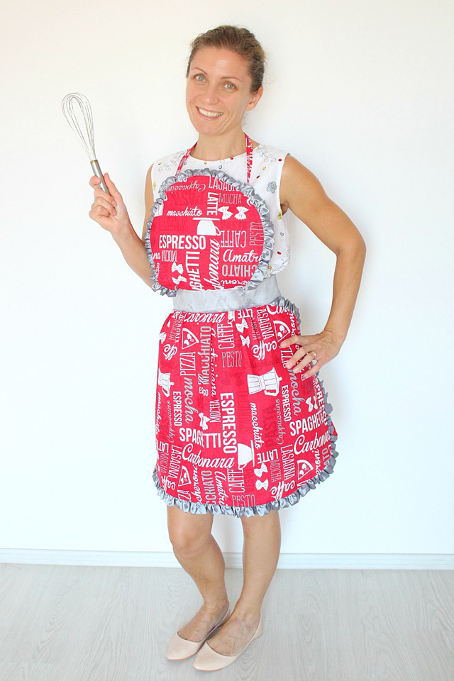 Learn how to make a gathered apron which has a bib and ties a the back. Clever shaping, a wide waistband and pretty ruffles give the apron a vintage flair. Tutorial by Creative Homemaking