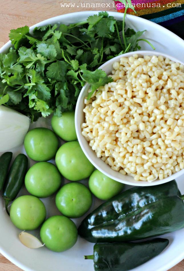 Pozolillo -Pozole verde con pollo y elote- by www.unamexicanaenusa.com