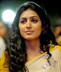 Padmapriya Family Husband Son Daughter Father Mother Age Height Biography Profile Wedding Photos