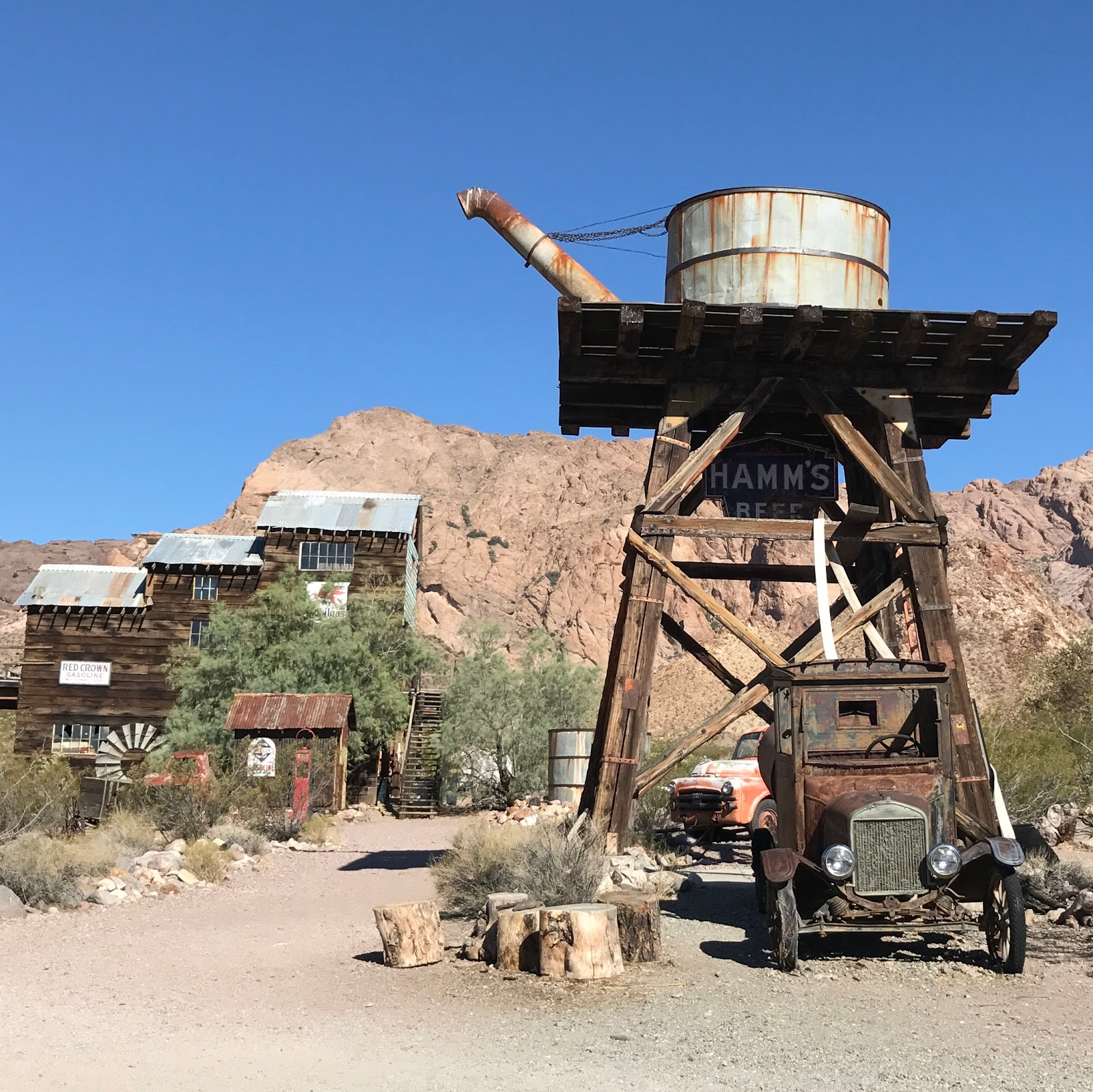 Haunted Places In Las Vegas 2014: Thrifty Wife, Happy Life