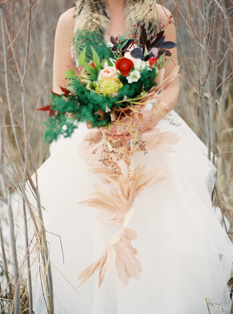 Orange Photographie / Flowers & Styling: Katalin Green / Dress: Poppy Bride / Bouquet / Feathers