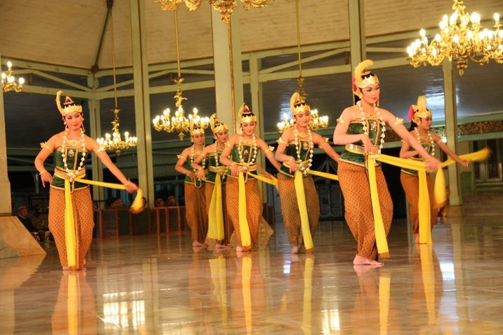 Seni Tari Gambyong, Tarian Tradisional Surakarta Indonesia