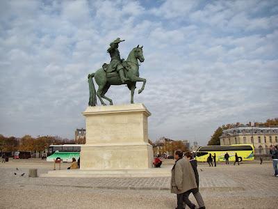 Estátua de Luís XIV - Versalhes - Paris - França