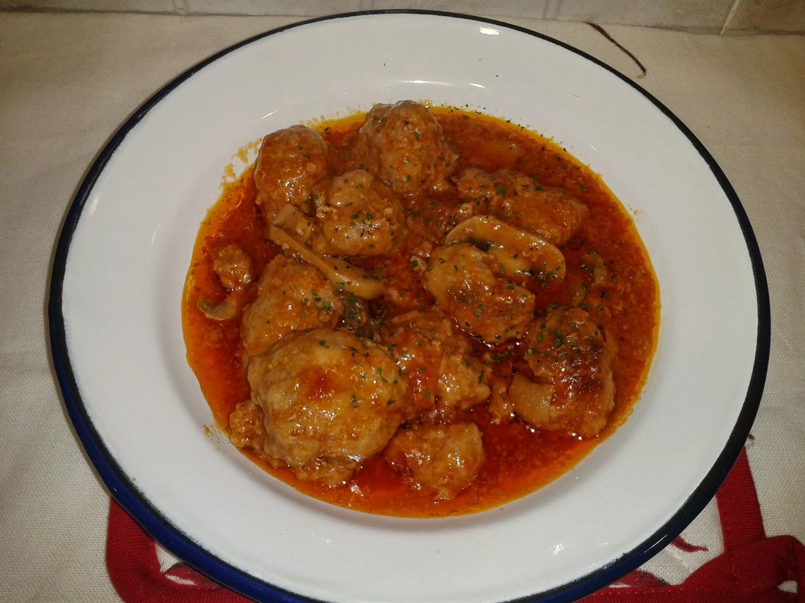 Recetas con encanto alb ndigas de carn con pat a las for Cocinar con cookeo