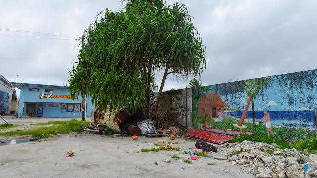 Also in Marshall Islands there is lot of trash