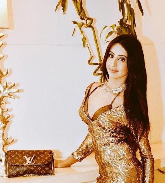Actress sanjanna spicy image gallery