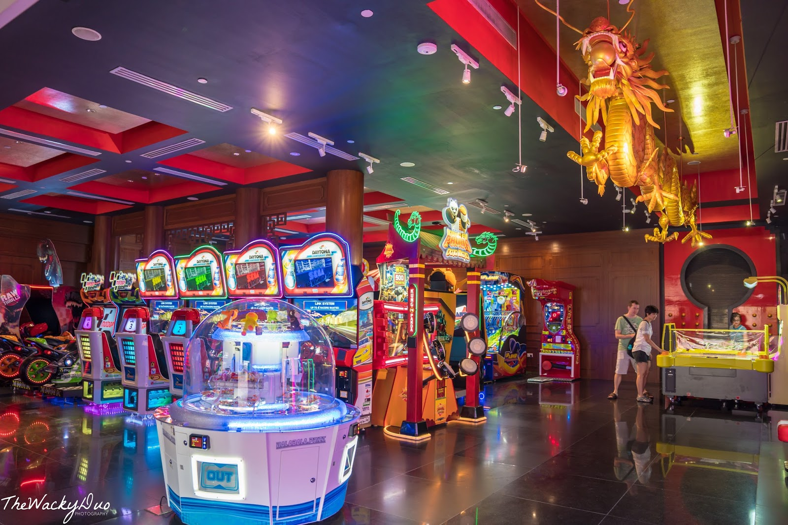 Hollywood China Arcade @ Universal Studios Singapore | The Wacky Duo |  Singapore Family Lifestyle Travel Website