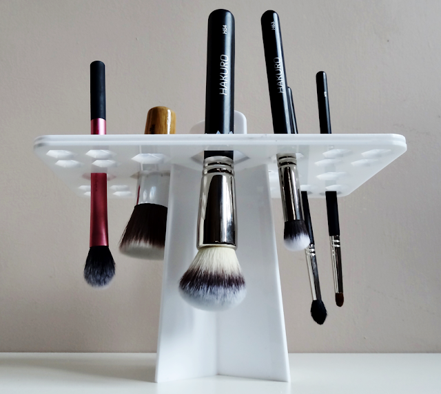 Stojak do suszenia pędzli drzewko z AliExpress brush drying holder