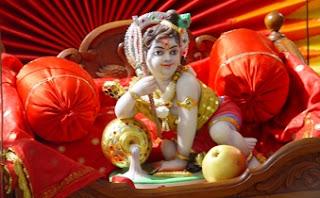 Krishna Janmashtami | चिपचिपे दूध से नहलाते है आँगन में खड़ा कर के तुम्हे |