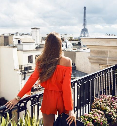 hello monday, girl boss, bogaty styl, style and the city, travel, luxury, blog po 30ce, stylowe, kobiety, w stylu, klasyka, red dress,