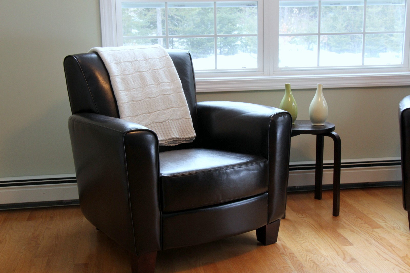 Leather Chairs Target Wedding Chair Covers Dundee Heart Maine Home New For The Front Room