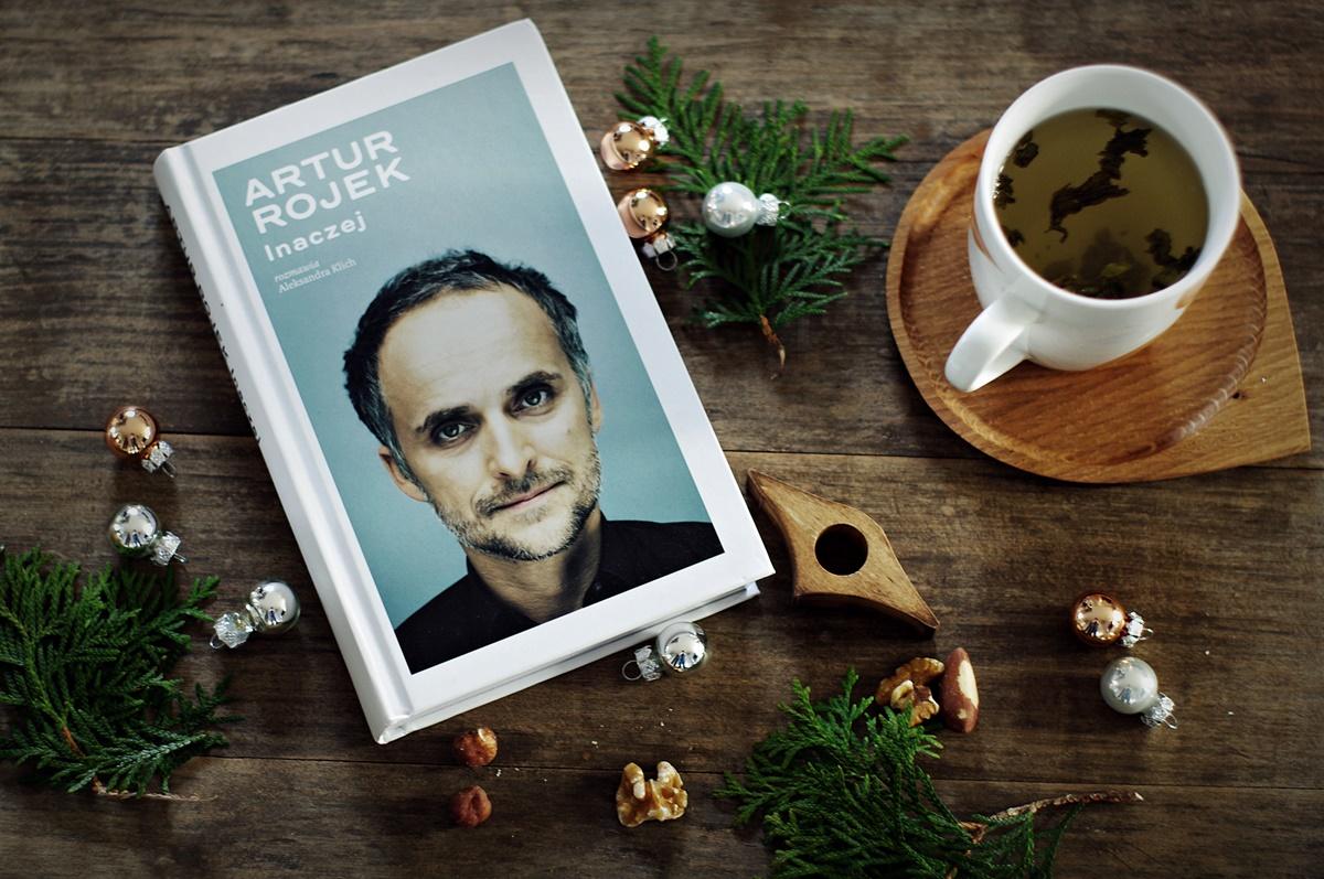 Inspiracje listopada na Any-blog.pl. Xavier Naidoo i Artur Rojek. O tmy, jak pięknie żyć, być artystą. O tym, że da się pięknie śpiewać po niemiecku.