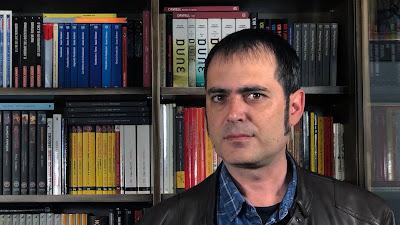 Héctor Espadas: «Pienso en un futuro donde la tecnología y la ciencia han desaparecido»