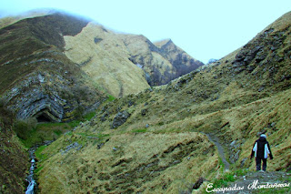 Sendero-Aproximacion-Cueva-Arpea-Selva-Irati