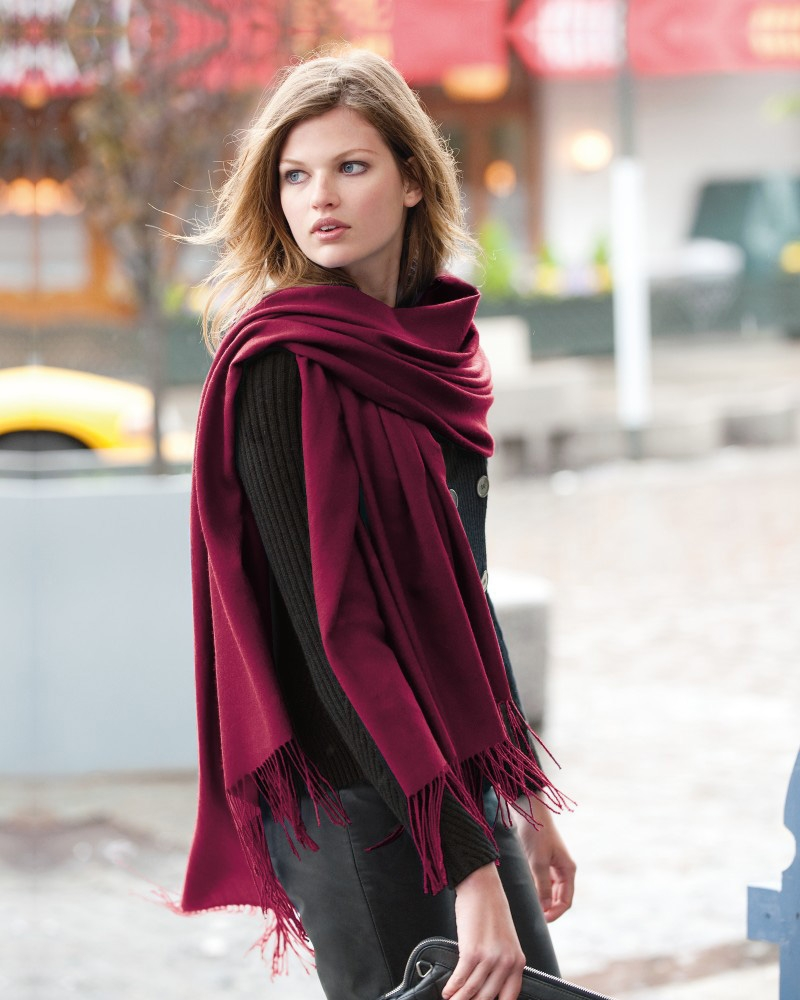 Local style: Pashmina shawls, a versatile accessory for ...