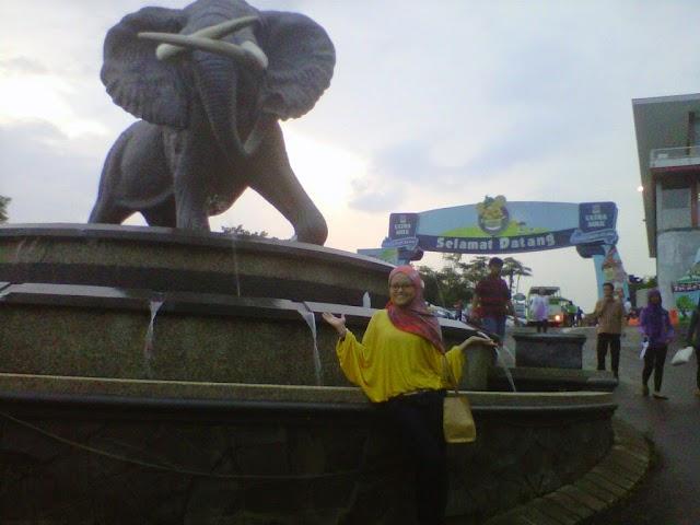jalan-jalan ke kampung gajah