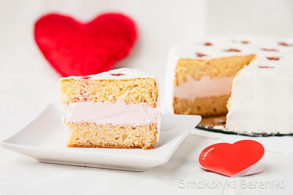 walentynkowy tort w serduszka