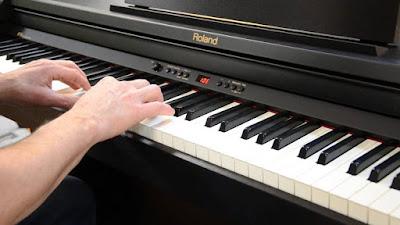 Những kiến thức quan trọng bạn cần biết khi mua đàn piano điện