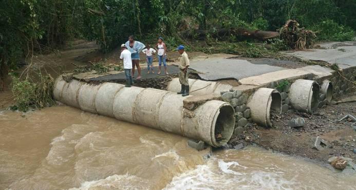 Valoran daños del huracán María a infraestructuras viales en más de tres mil millones de pesos