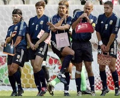 Gambar Lucu Sepak Bola Takut Penalti