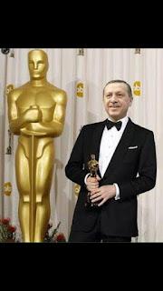 [Imagem: Oscar%2Bde%2BBest%2BFake%2BCoup.jpg]
