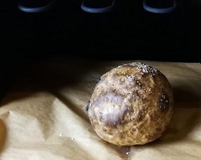 Sellerie, im Ganzen gebacken - Ganzer gebackener Sellerie nach Yotam Ottolenghi
