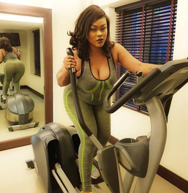 Orobo Toh Badd: Actress Daniella Okeke Flaunts Curves As She Hits The Gym