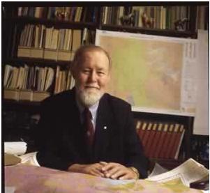 Giáo sư Roger Tomlinson được cả thế giới công nhận là cha đẻ của GIS