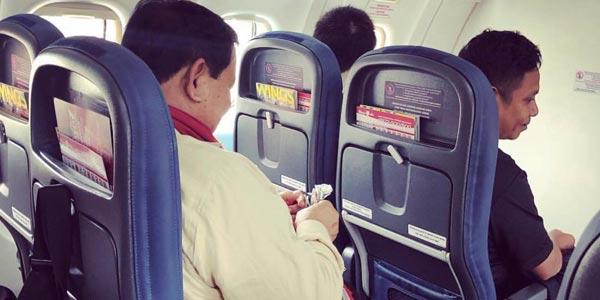 Pensiunan TNI Unggah Foto Prabowo Makan Cokelat