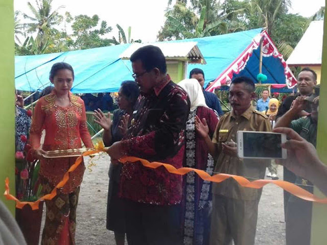Yasin Payapo Resmikan Balai Desa Matapa