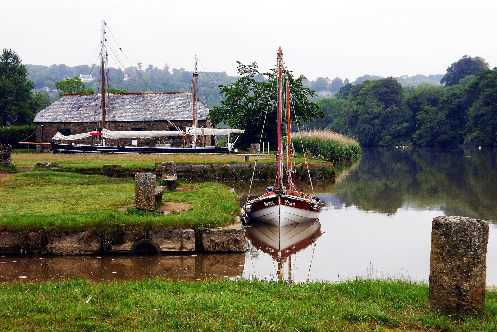 Mooring at cotehele quay on river tamar