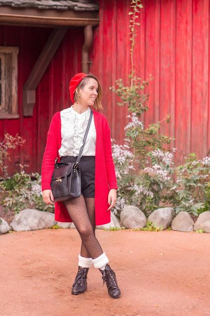 look preppy d'automne noir blanc et rouge