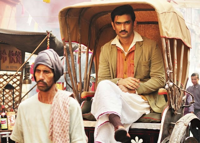 Sushant Singh Rajput as Detective Byomkesh Bakshy, in Detective Byomkesh Bakshy! (2015), directed by Dibankar Banerjee, riding the hand-pulled cycle rickshaw, streets of 1942-43 Calcutta