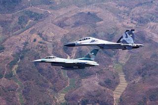 Patroli Pesawat Tempur TNI AU