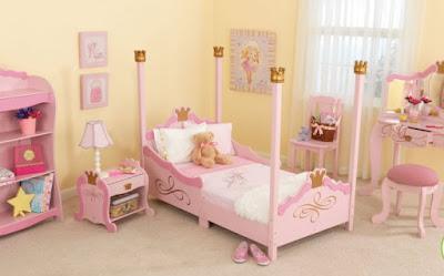 ห้องนอนเด็กหญิง เตียงเล็ก