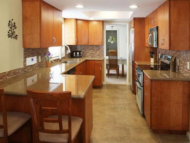 Contoh desain dapur kecil minimalis dengan wood kitchen set