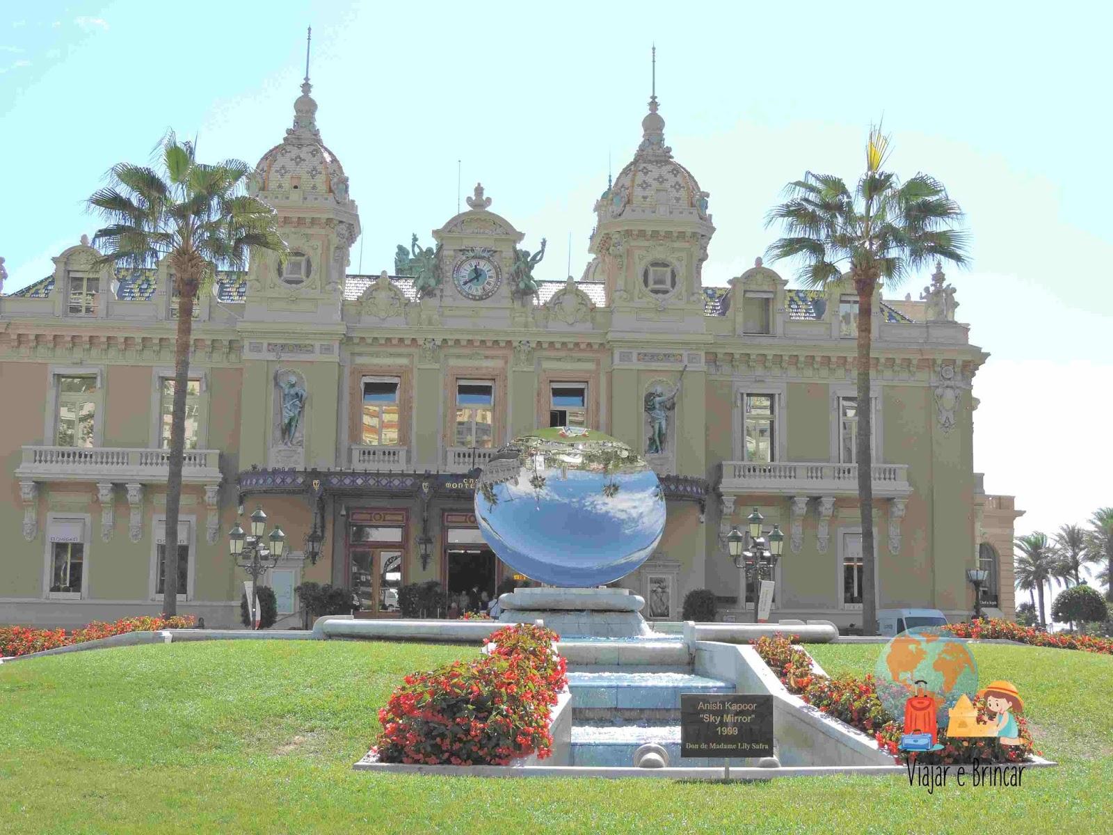 Casino de Monaco fotografado pela família do Blog Viajar e Brincar