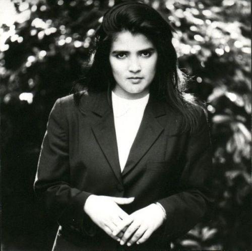 Top Of The Pops 80s: Tanita Tikaram - World Outside Your Window - 1989