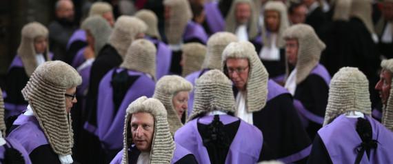 Αυτοί είναι οι 10 πιο περίεργοι νόμοι της Βρετανίας. Μετρούν αιώνες ζωής και βρίσκονται μέχρι σήμερα σε ισχύ