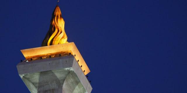 Sosok WANITA MISTERIUS Pada PAHATAN Api Obor Monas...Ini Sejarah Dan Kisahnya !