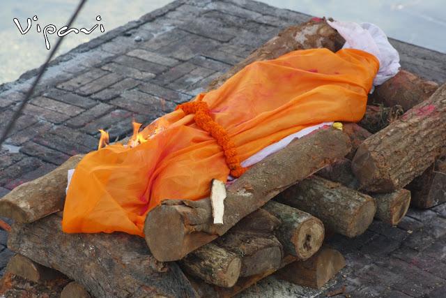 ritos funerarios hindúes 13