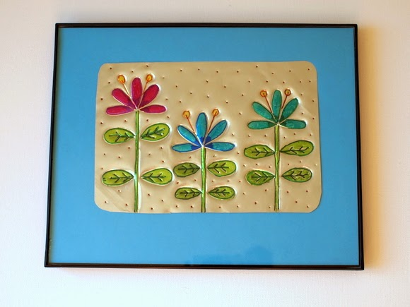 Use disposible baking dish to make tin wall art