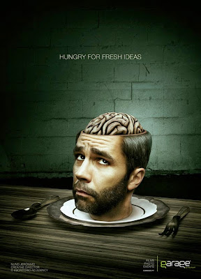 hombre con cerebro de fuera