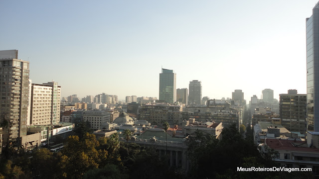 Cidade de Santiago vista da praça do Cerro Santa Lucía
