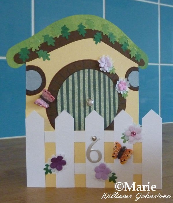 Free Hobbit house card making tutorial at CraftyMarie with free printable templates papercraft crafting fantasy