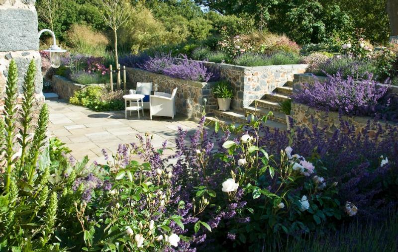 Le hunt una mezcla de estilos muy resultona guia de jardin for Le jardin le muy