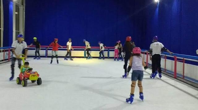 River Shopping recebe pista de patinação no gelo durante as férias
