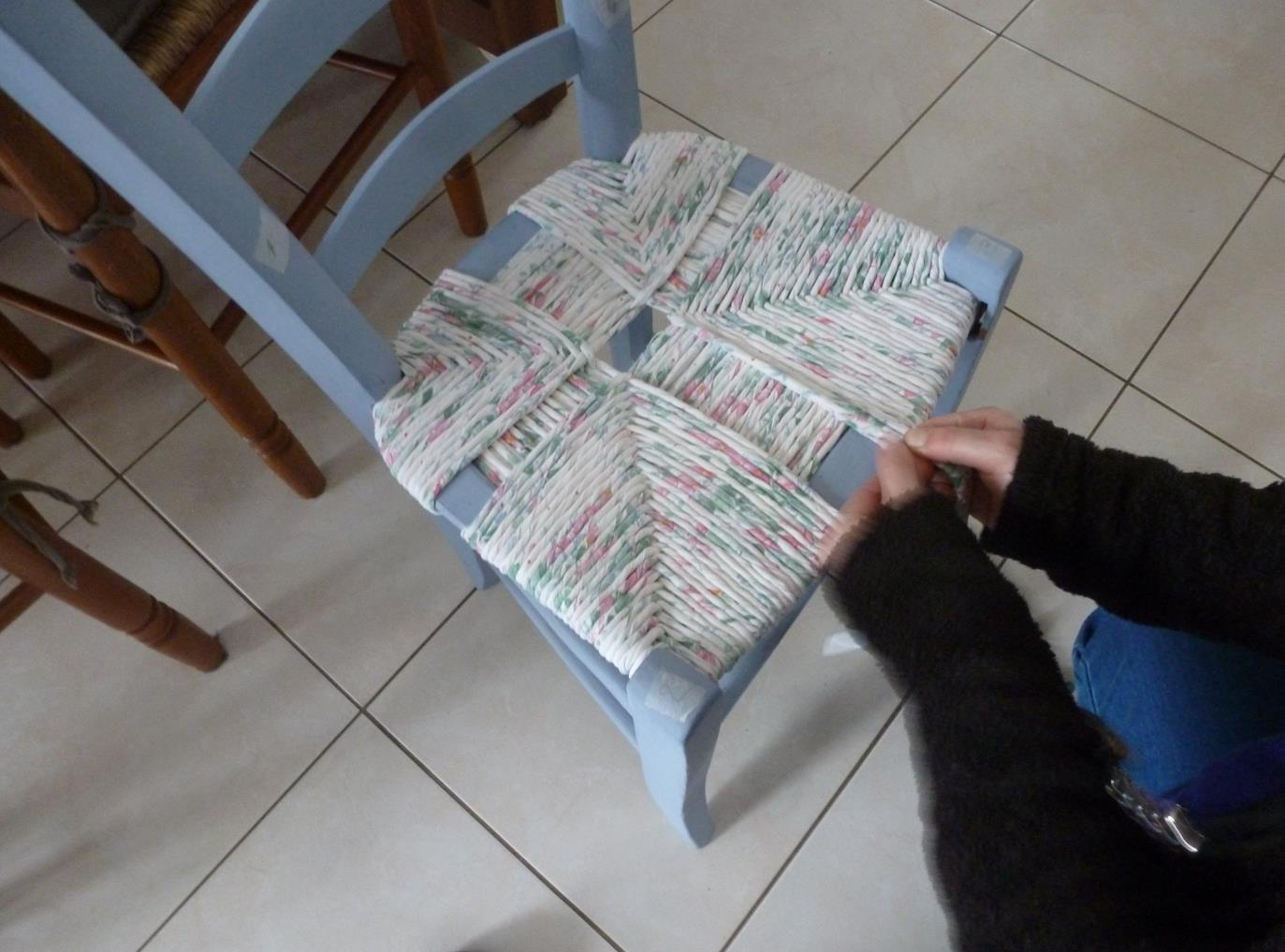 loupiac infos 12700 rempaillage de chaise avec du tissu. Black Bedroom Furniture Sets. Home Design Ideas
