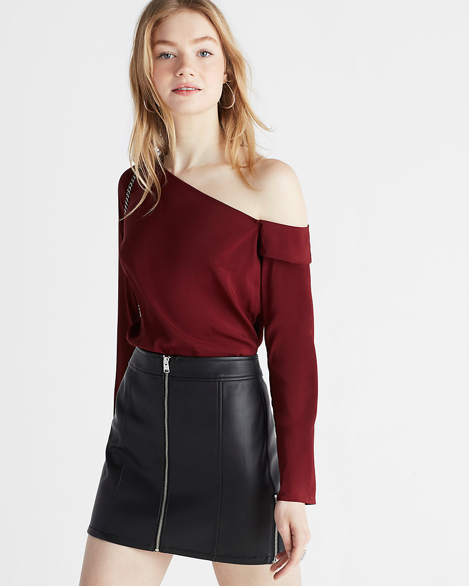 e9061585ce5 Free People Anabelle One-Shoulder Top · Express Asymmetrical Off The  Shoulder Top