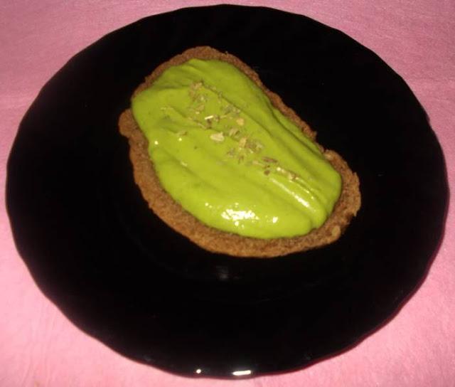 Ideia de creme de sal light com abacate e espinafre